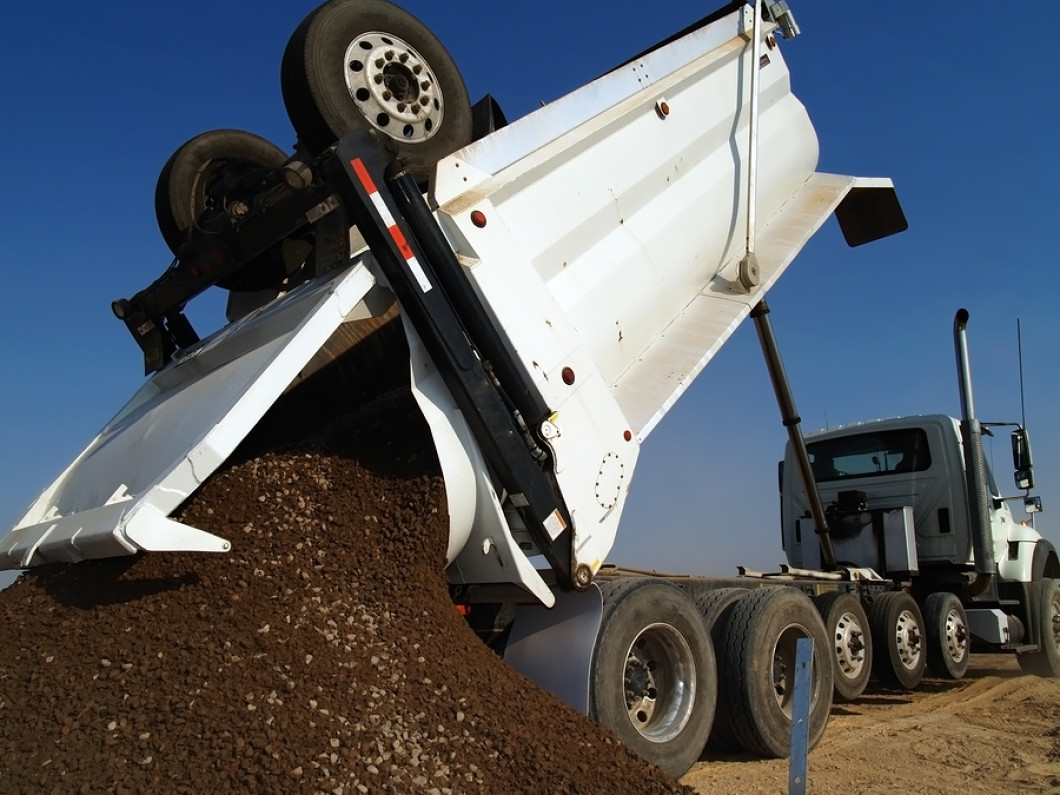 Aggregate hauling services make your projects simple
